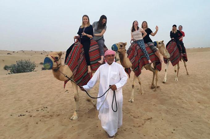 kamelin_kyydissä