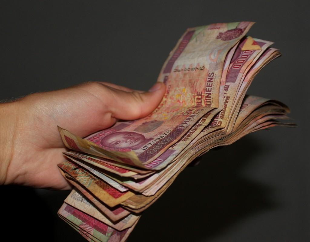 nippuguineanrahaa