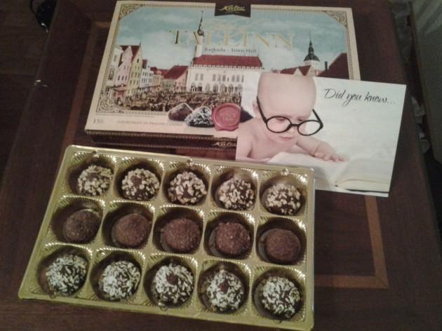 Tiesitkö, että suklaata mutustellessa on mukava suunnitella blogijuttua?