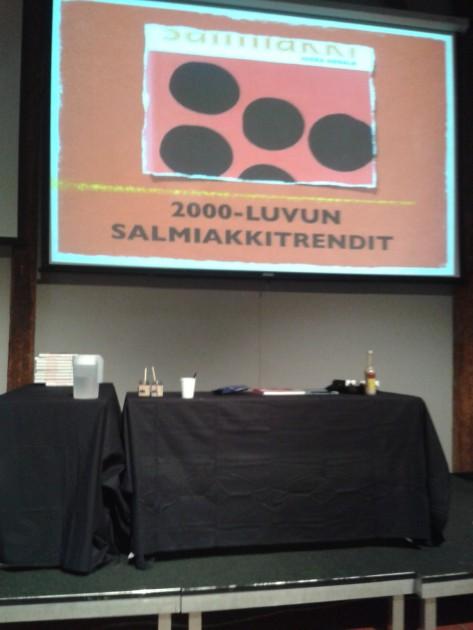 Jukka Annalan Salmiakki-kirja tietää aiheesta melkein kaiken