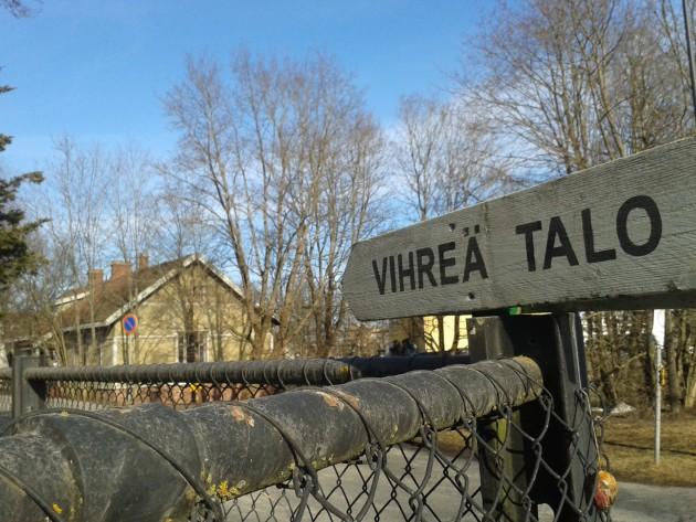 Vihreä talo Riihimäellä on yksi Il Mondo Di Karri -kiertueiden esityspaikoista. Sunnuntaijazzia seuraavan kerran toukokuussa.
