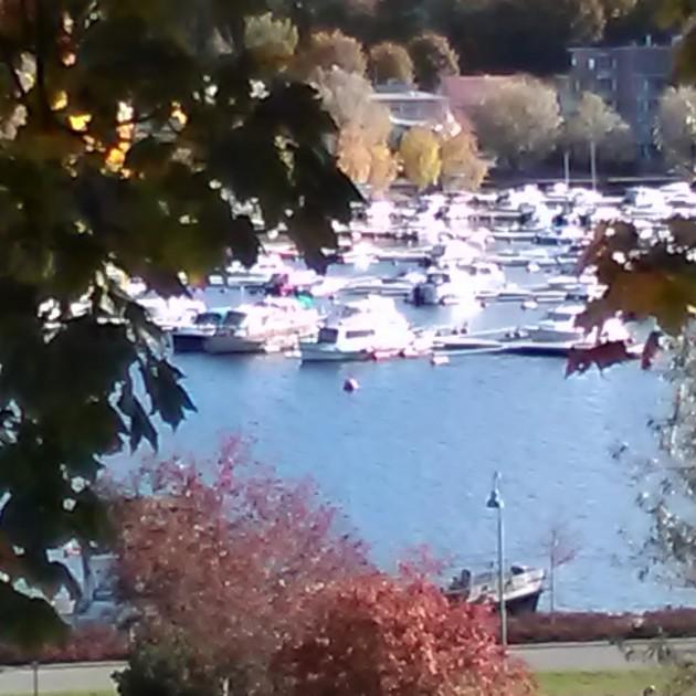 Lappeenrannan satama on mukava kävelyretken määränpää vielä lokakuun alussa.