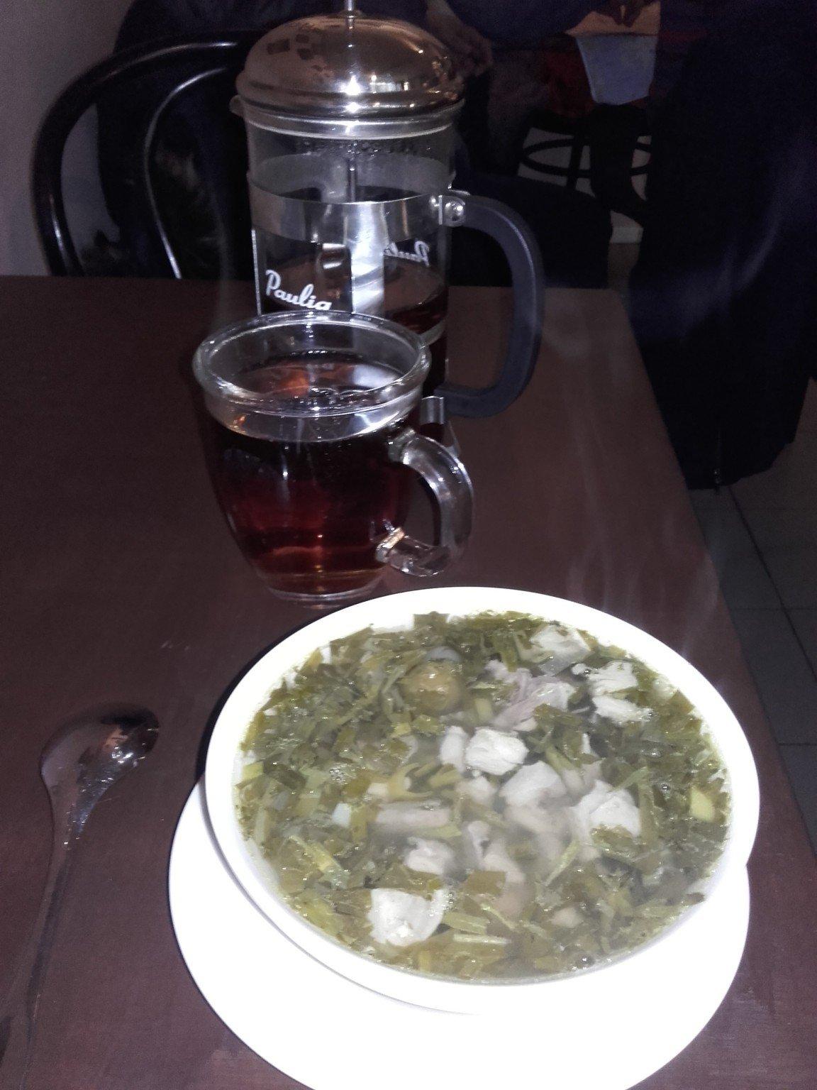 Tšakapuli ja pannu teetä.