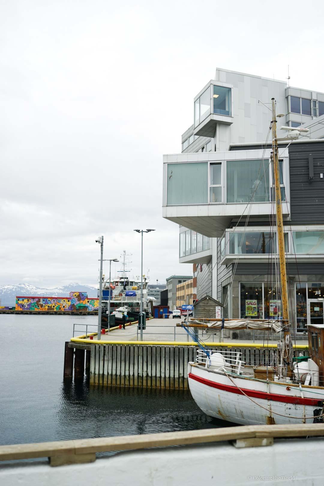 Rakennus Tromssan satamassa