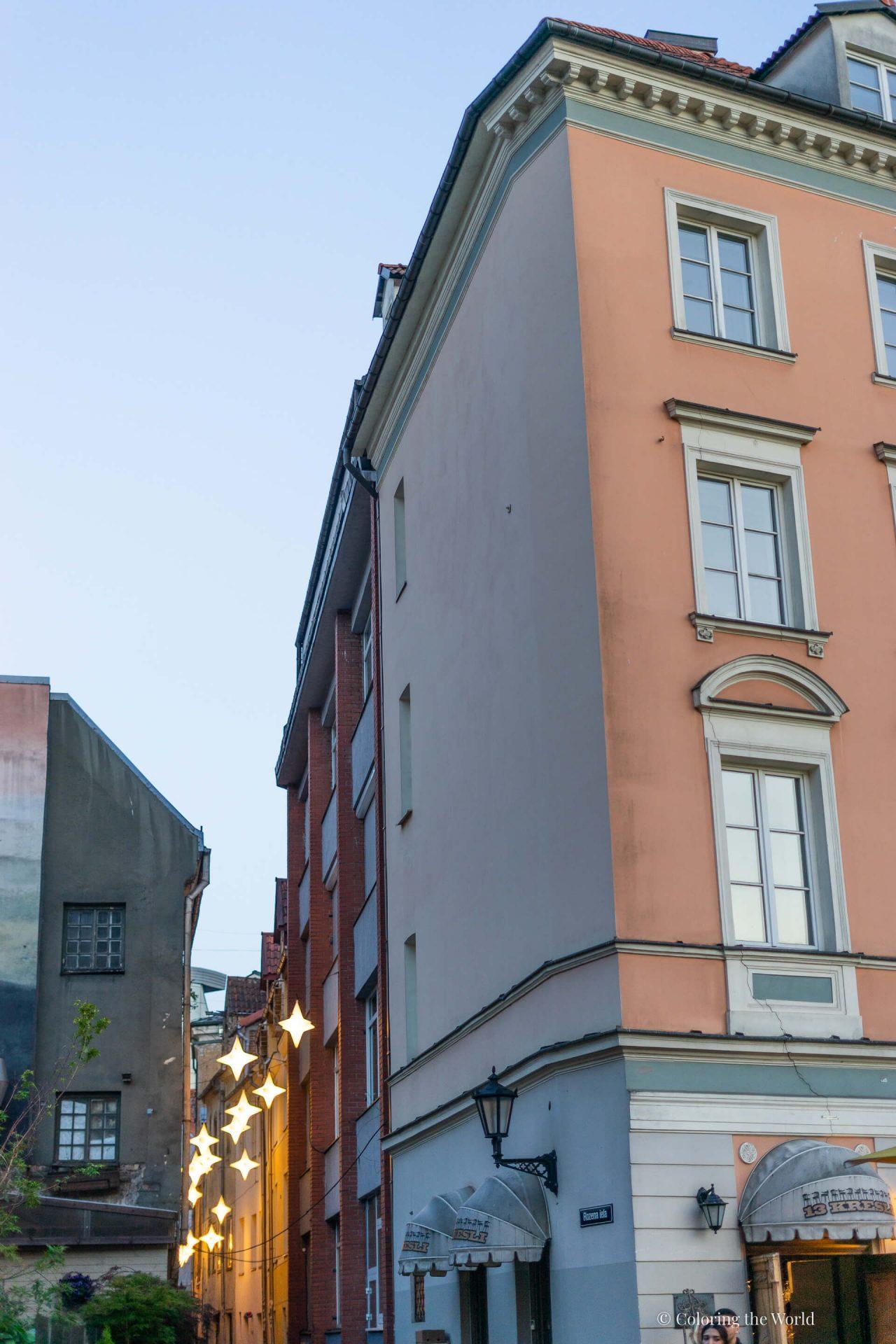 Rakennus Riian vanhassakaupungissa