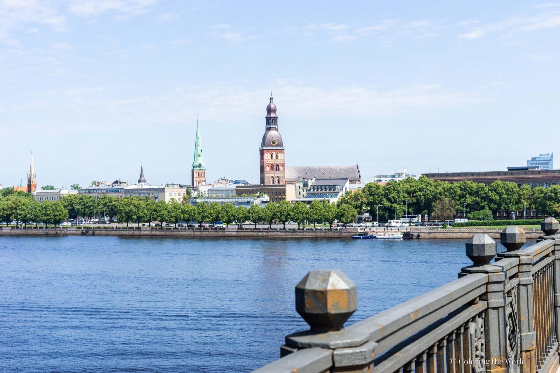 Näkymä Daugava-joelta Riian keskustaan