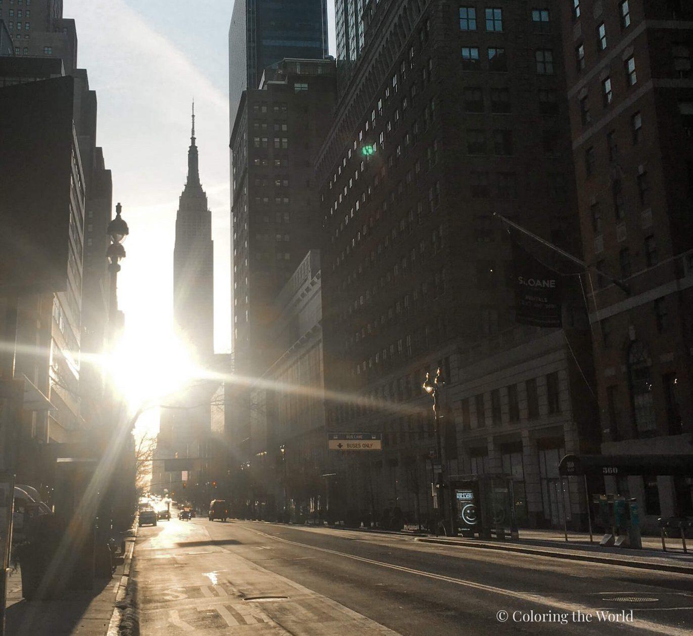 Empire State Building auringonnousussa