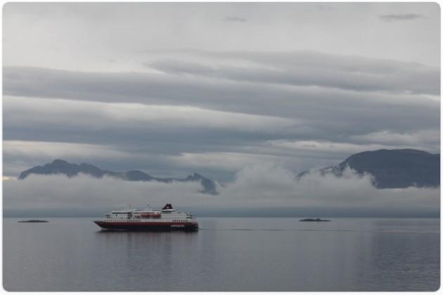 Hurtigruten seilaa Harstadista