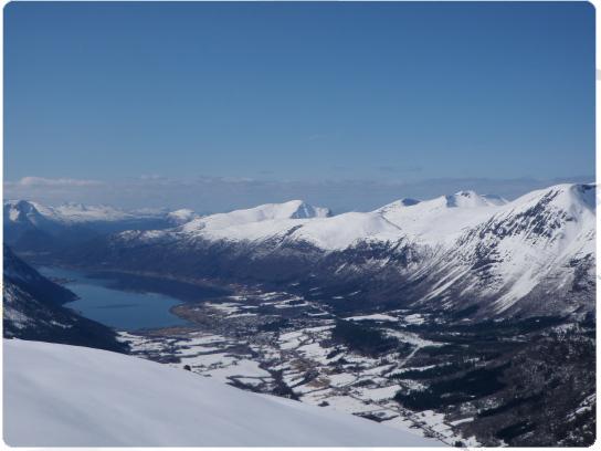Vuoristo-opastusta Norjassa