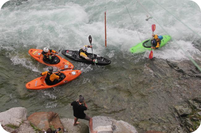 Boatecross-kisaa Valsesia River Festivaaleilla