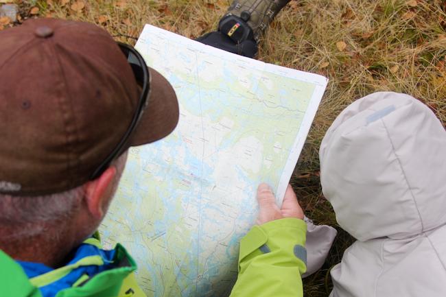 Kartanlukua metsäretkellä Norjassa I @SatuVW I Destination Unknown