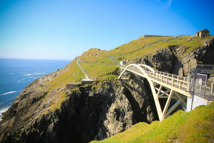 Mizen Headin majakka Irlannissa I @SatuVW I Destination Unknown