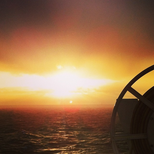 Auringon nousu via Instagram I @SatuVW I Destination Unknown