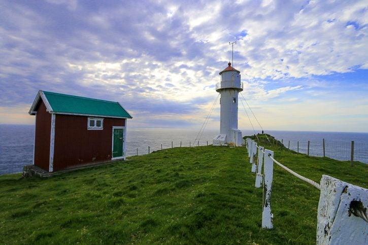 Akraberg lighthouse, Färsaaret I @Kate Cornfield I Destination Unknown