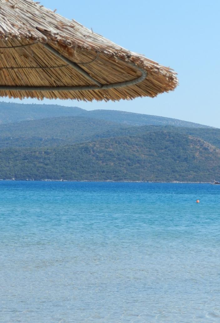 Psili Amos on yksi Samoksen parhaita rantoja. Photo copyright Elämää ja Matkoja