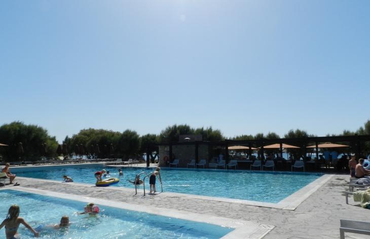 Uima-altaat sijaitsevat Seaside alueella rannan tuntumassa. Photo copyright Elämää ja Matkoja