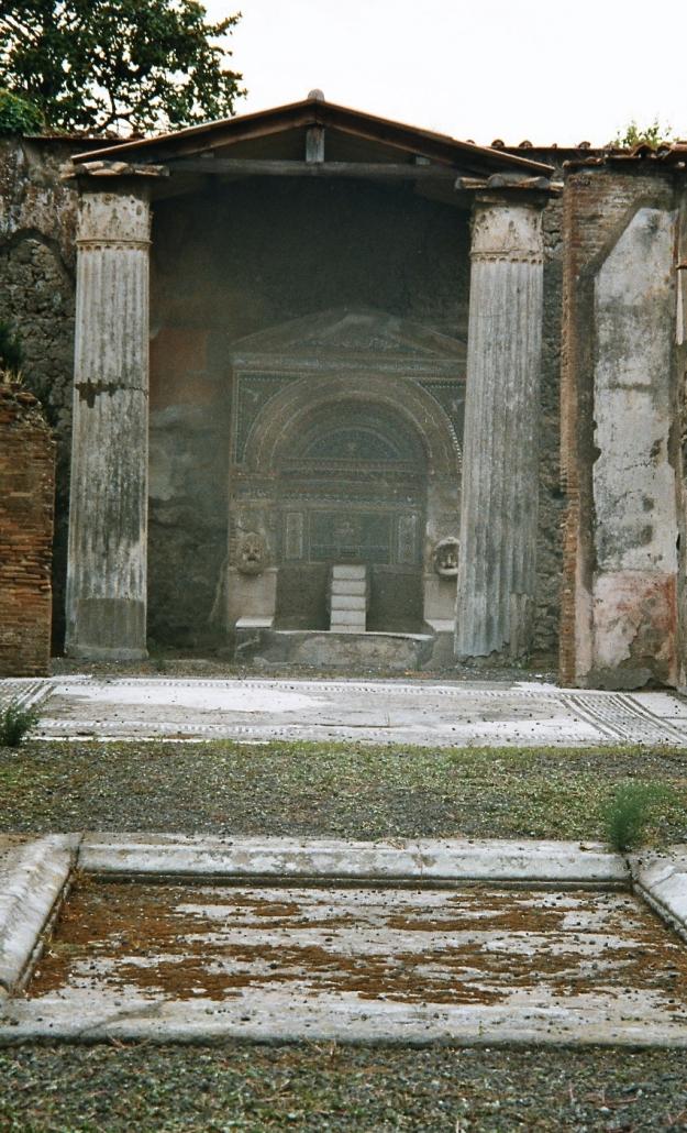 Casa della Fontana grande, suren suihkulähteen talo. Photo copyright Elämää ja Matkoja