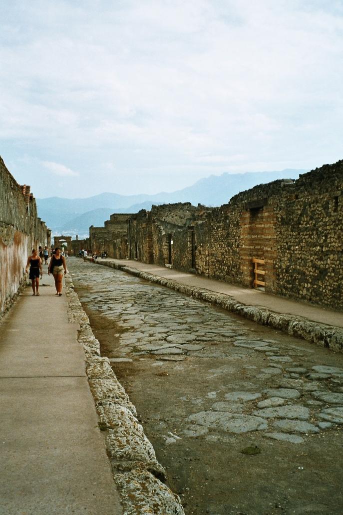 Pompejin kadut hiljenivät vuonna 79. Photo copyright Elämää ja Matkoja