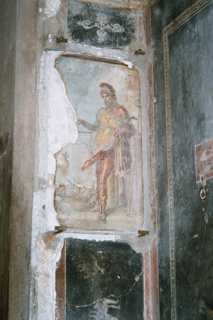 Pompeista löytyy useita maalauksia ja mosaiikkeja, jota tuovat punan poskille. Jotkut kuvista olivat kodeissa aivan tavallisina maalauksina, kuten roomalaisaikaan oli tapana. Osa kuvista toimi palvelukuvastona ja joidenkin tarkoitus oli suojella taloa ja sen asukkaita pahalta silmältä ja onnettomuuksilta.  Photo copyright Elämää ja Matkoja