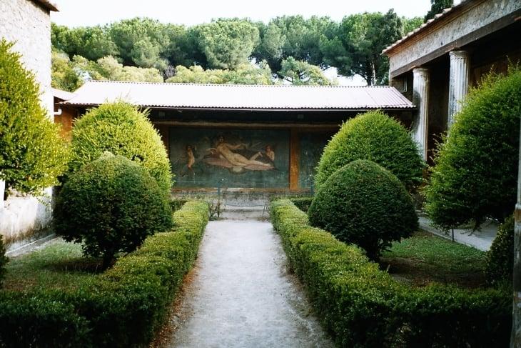 Pompejin puutarha, sellaisena kuin ennen tuhoakin. Photo copyright Elämää ja Matkoja