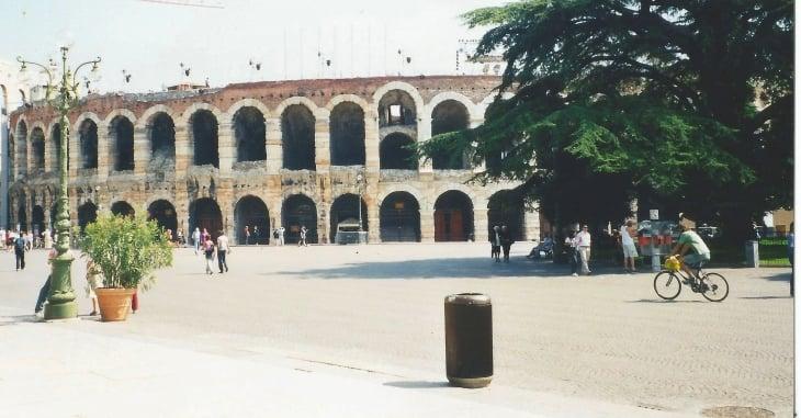 Veronan amfiteatteri Arena on roomalaisajoilta. Photo copyright Elämää ja Matkoja