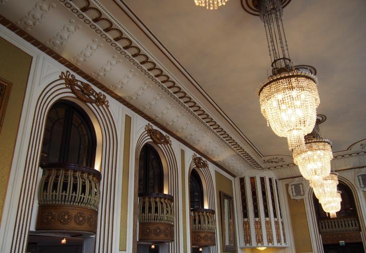 Historiallinen Hotelli Seurahuone henkii menneen ajan loistoa. Photo copyright Elämää ja Matkoja