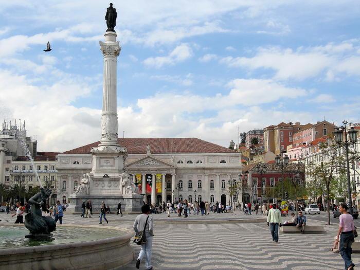 Rossio on Lissabonin liikenteen solmukohta.