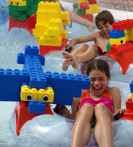 Legoland Waterpark sopii kaiken ikäisille. Photo Legoland Waterpark