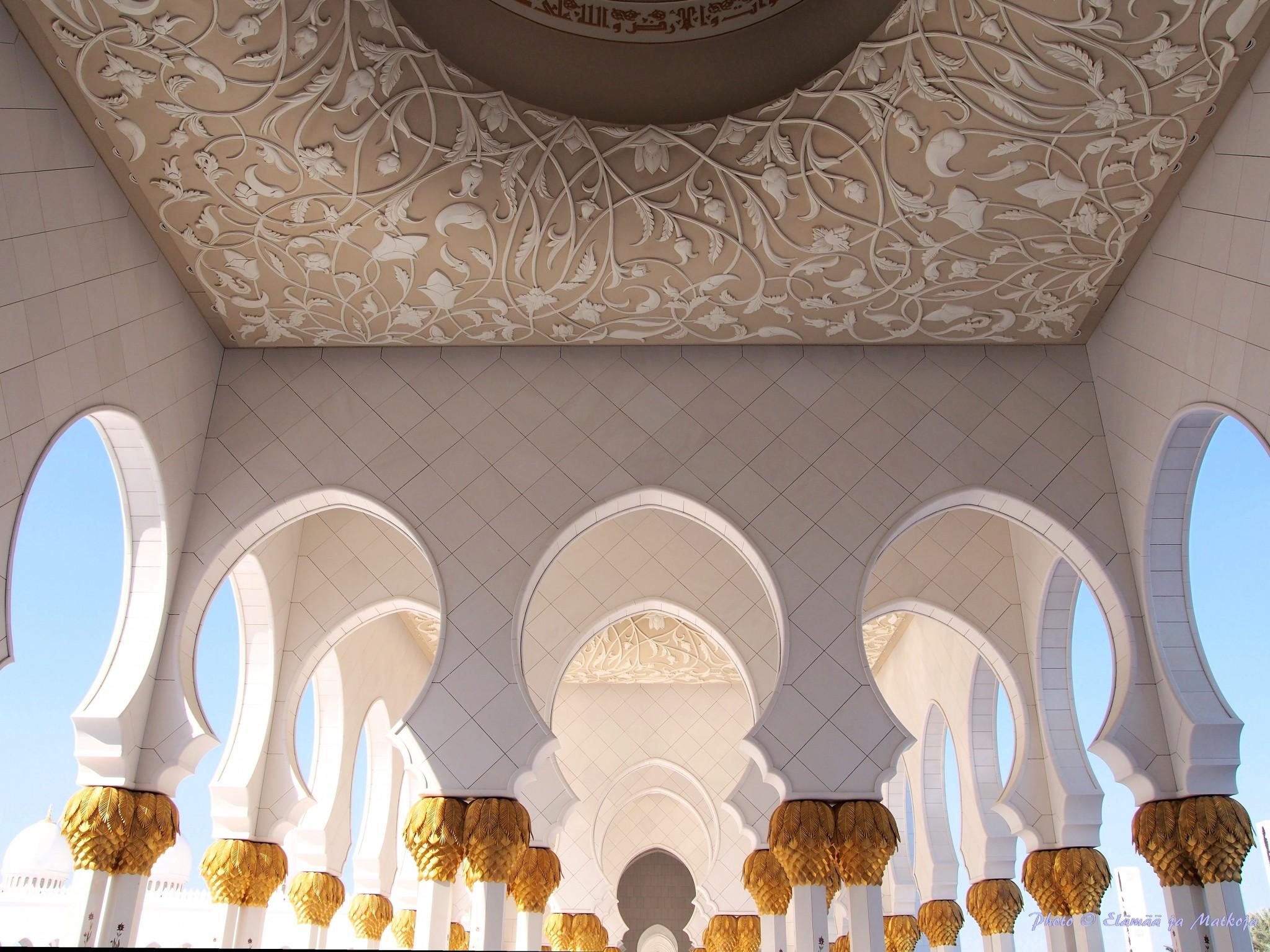 Sheikh Zayed Grand Mosque Abu Dhabi UAE 9 Photo © Elämää ja Matkoja