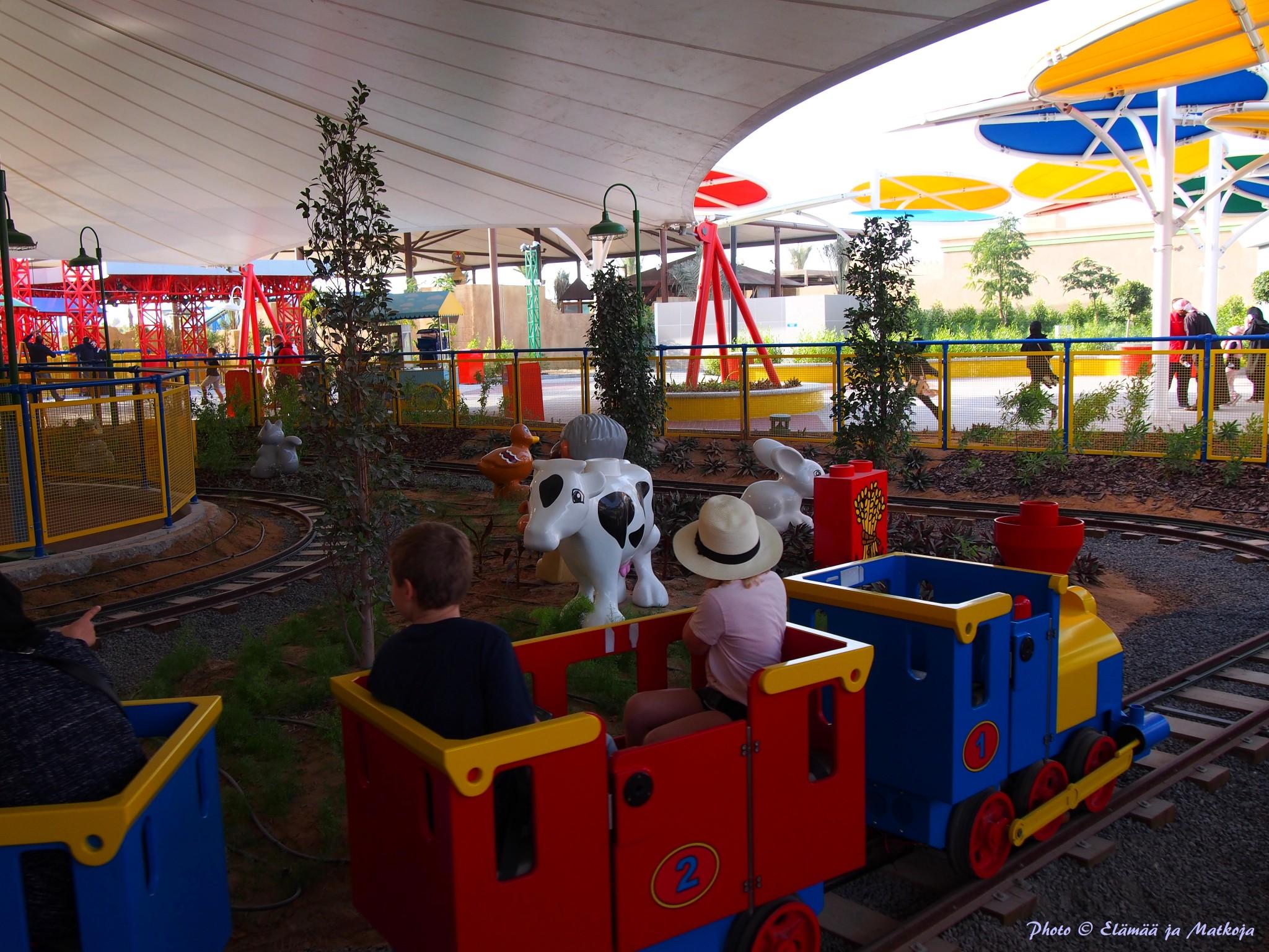 Legoland Dubai minijuna Photo © Elämää ja Matkoja
