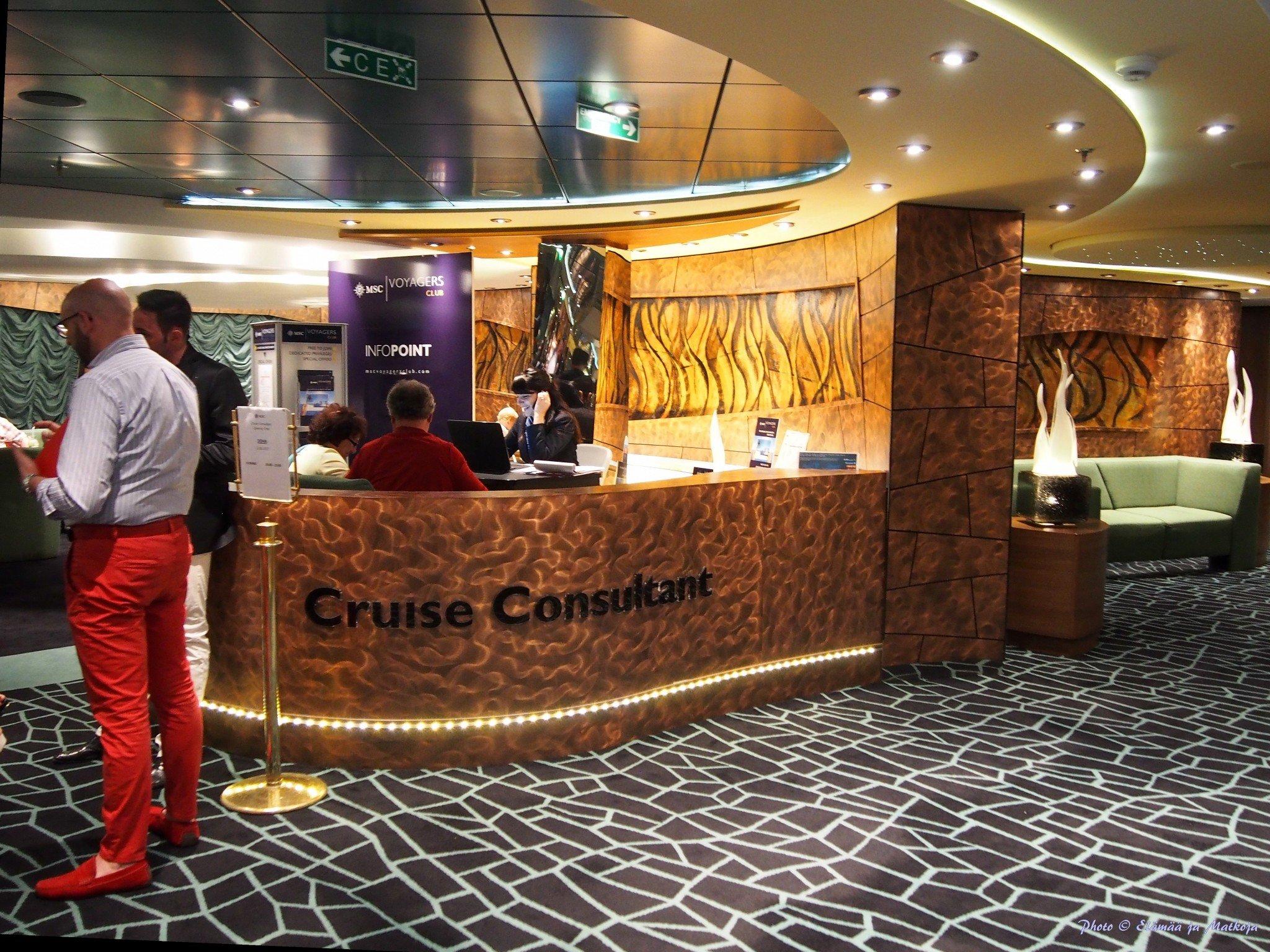 MSC Fantasia Cruise consultant point Photo © Elämää ja Matkoja