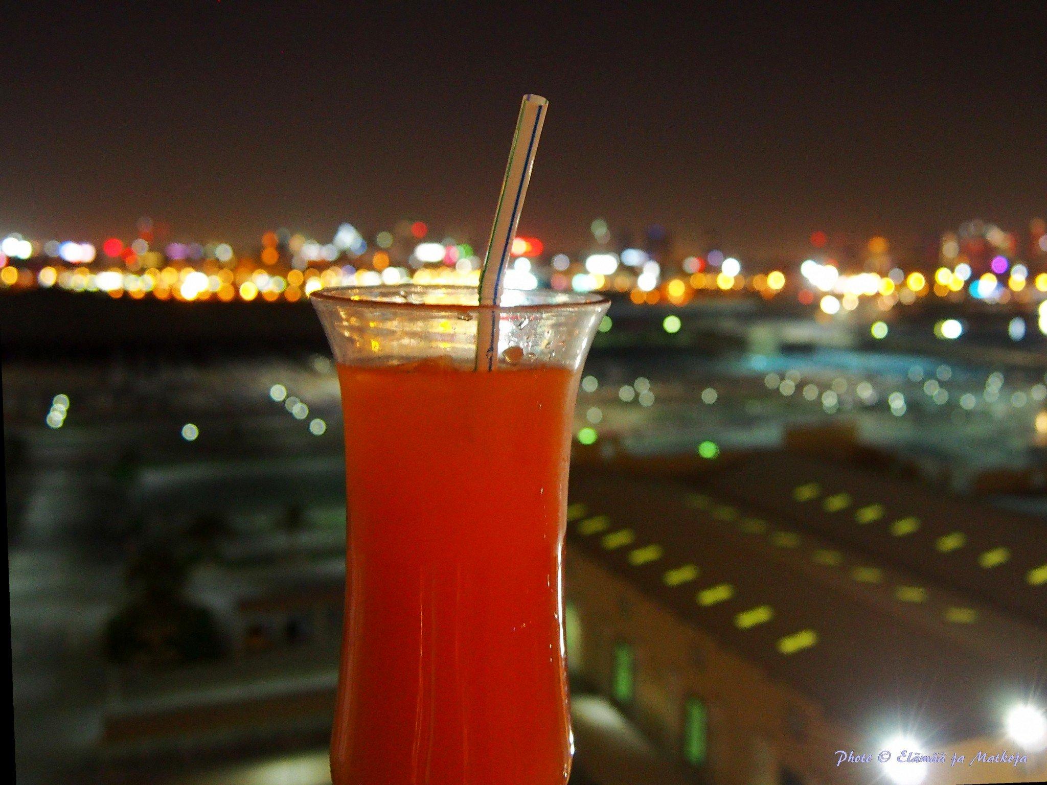 MSC Fantasia drink at Dubai port Photo © Elämää ja Matkoja