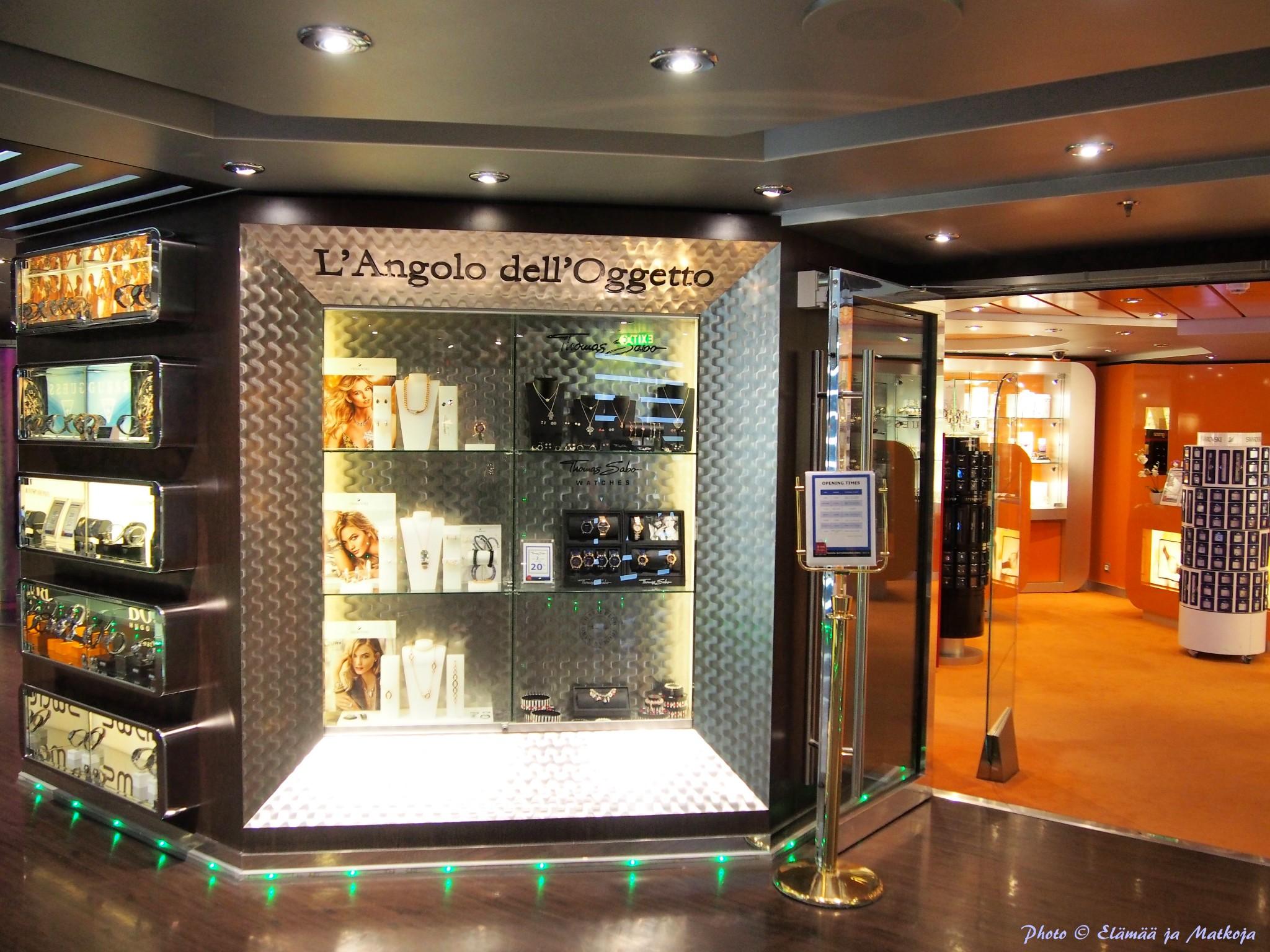 MSC Fantasia shopping Photo © Elämää ja Matkoja