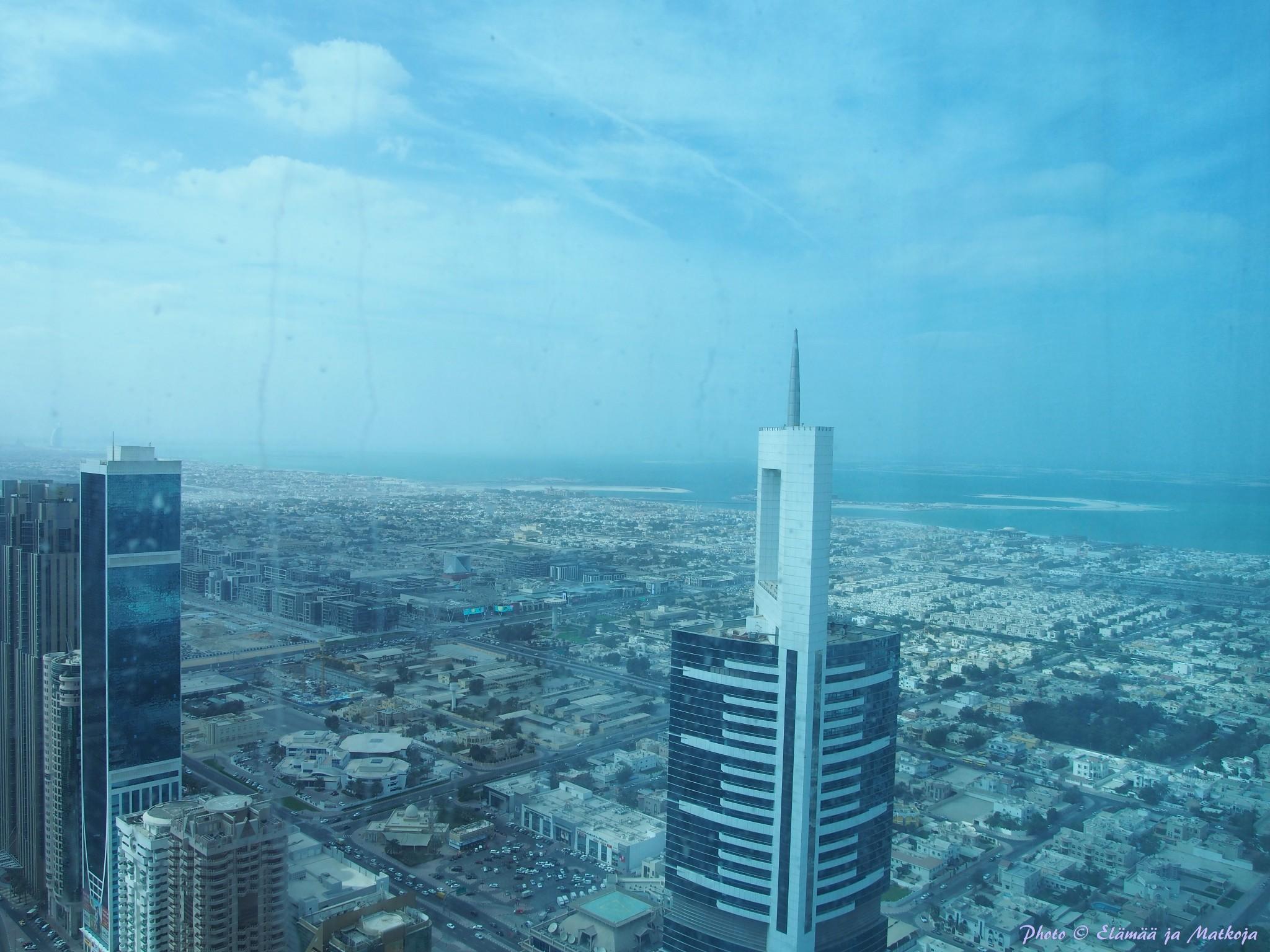 Dubai Rose Rayhaan by Rotana näkymä merelle Photo © Elämää ja Matkoja