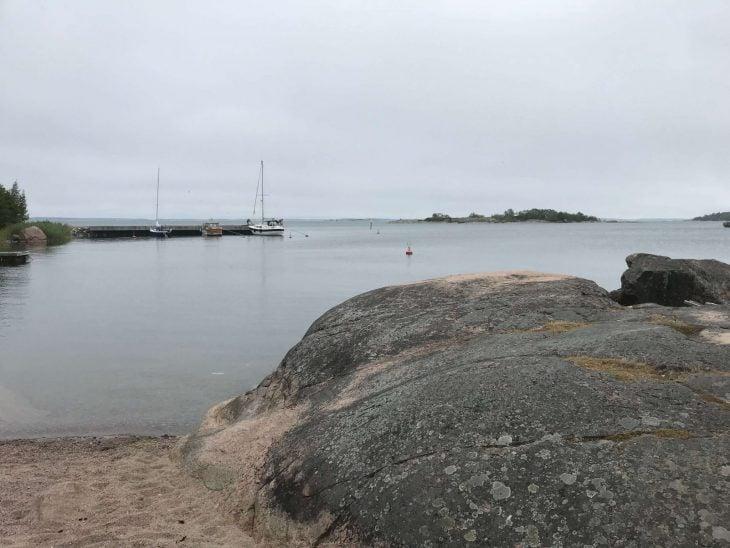 Brandö, kaunis saaristokunta, uimaranta, veneet, Ahvenanmaa saaristokierroksella, nähtävää saaristossa, matkailu