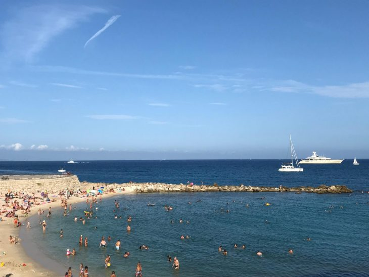 Ranska Antibes vanha kaupunki uimaranta