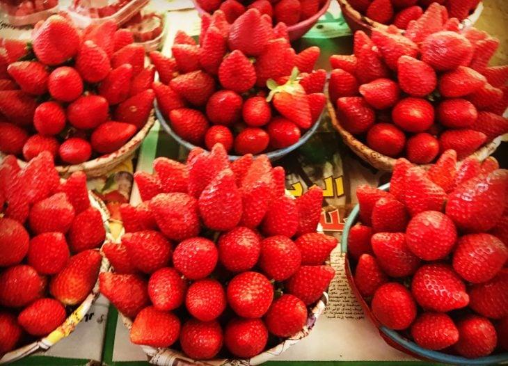 Marokko Agadir, nähtävää ja ostoksia: Souk, mansikoita, edullinen hinta (n. 1,5 €/kg)