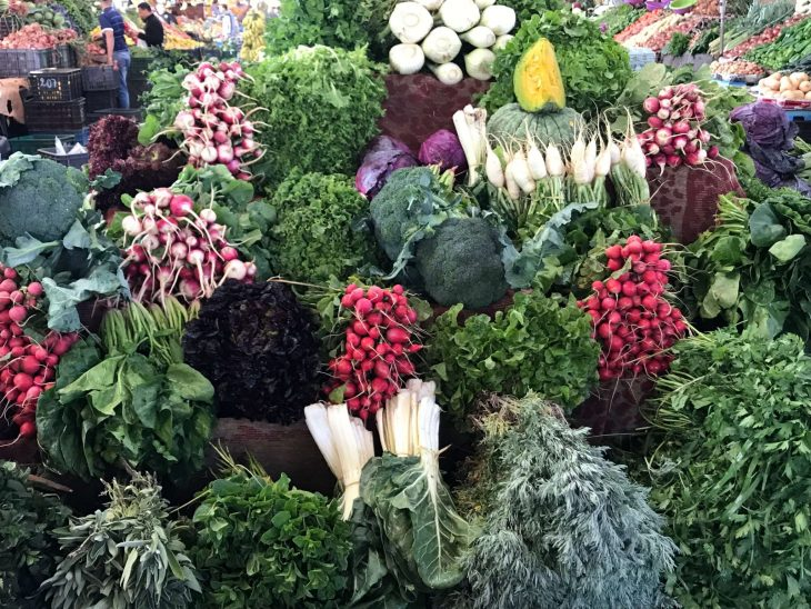 Marokko Agadir nähtävää ja ostoksia: souk, Vihanneksia markkinoilla