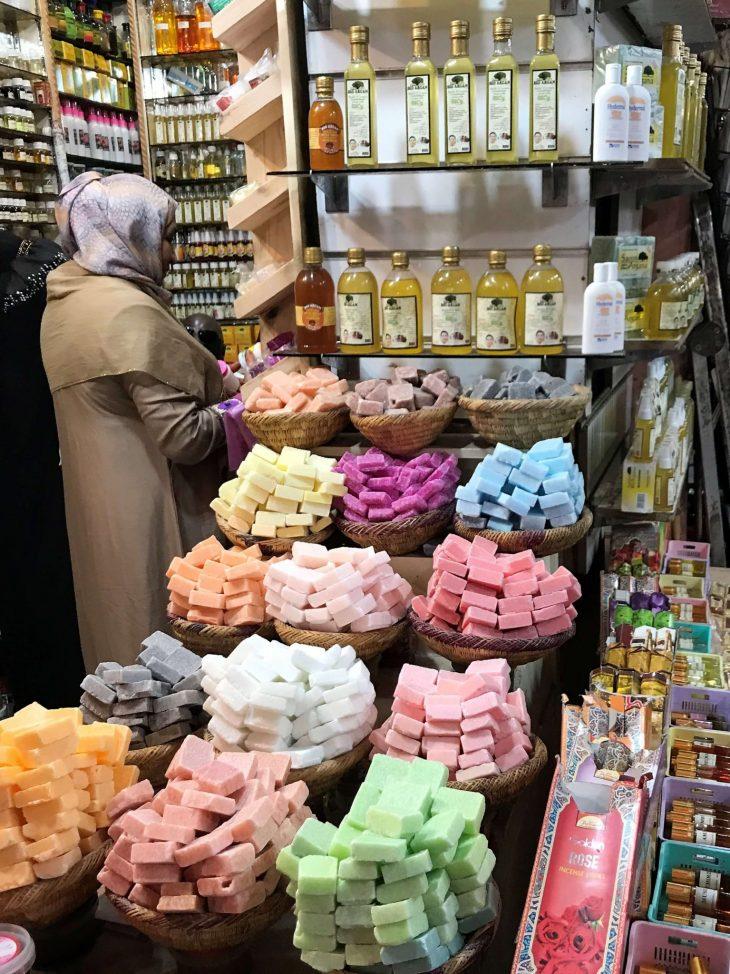 Marokko Marrakech nähtävää medina saippuakauppa, kokemukia vanha kaupunki