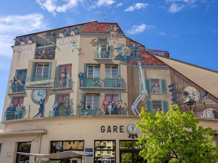 Ranskan Riviera nähtävää, Cannes satama talomaalaus / muraali