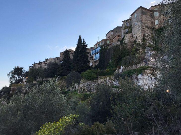 Ranskan Riviera nähtävää, Eze vuoristokylä vuoren rinteellä, kokemuksia