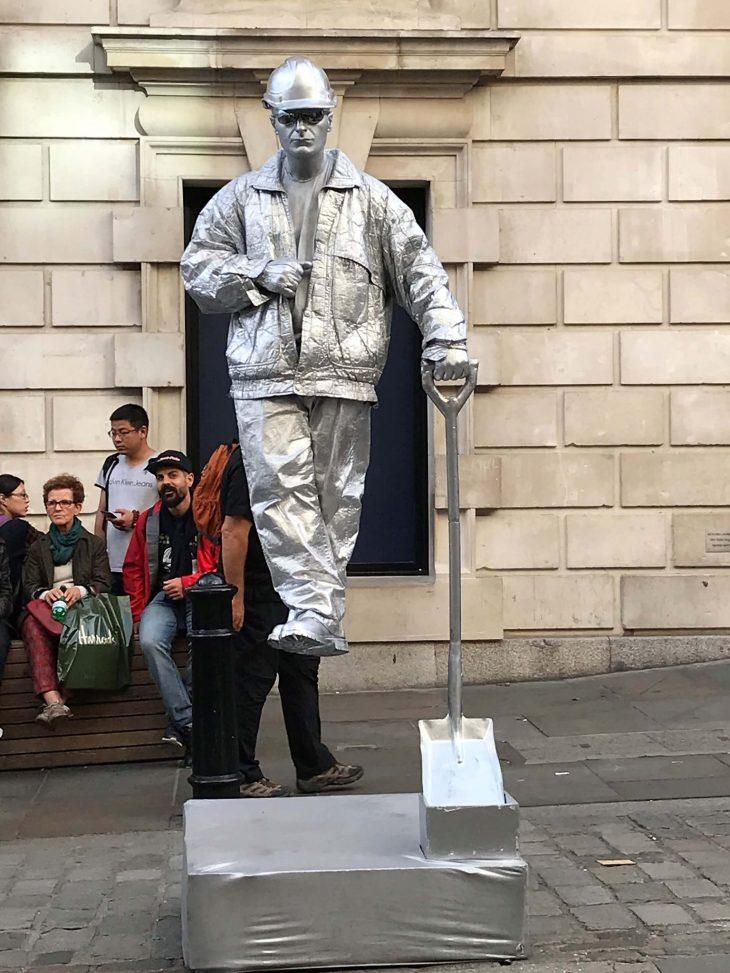 Lontoo nahtavyyksia ja kokemuksia - Covent Garden katutaiteilijat