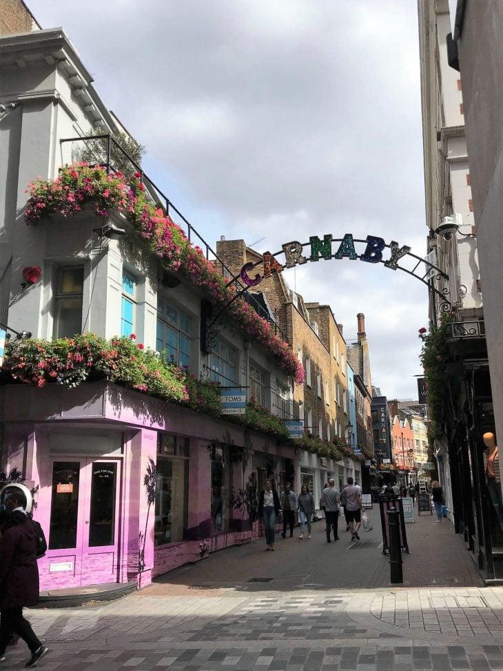 Lontoo nähtävää ja kokemuksia - Carnaby Street