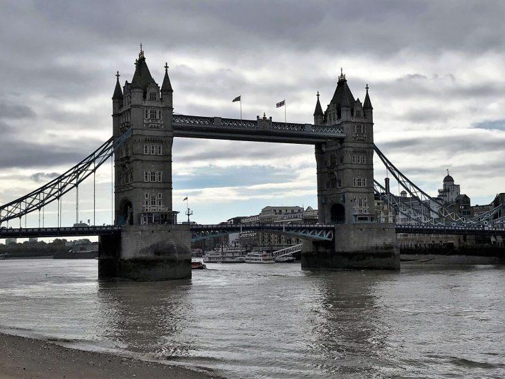 Lontoon nähtävyydet ja kokemuksia - The tower bridge