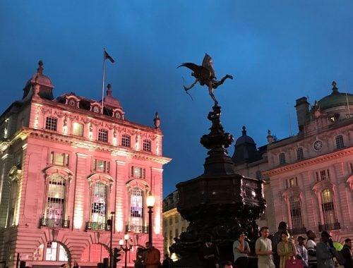 Lontoon nahtavyydet ja kokemuksia - Piccadilly circus