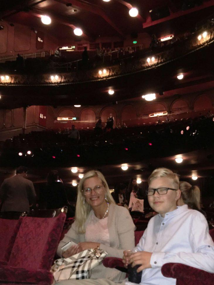 Lontoo nähtävyyksiä ja kokemuksia - Leijonakuningas musikaali Lyceum-teatterissa