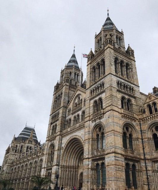 Lontoo ilmaisia nähtävyyksiä ja kokemuksia - Lontoo National History Museum