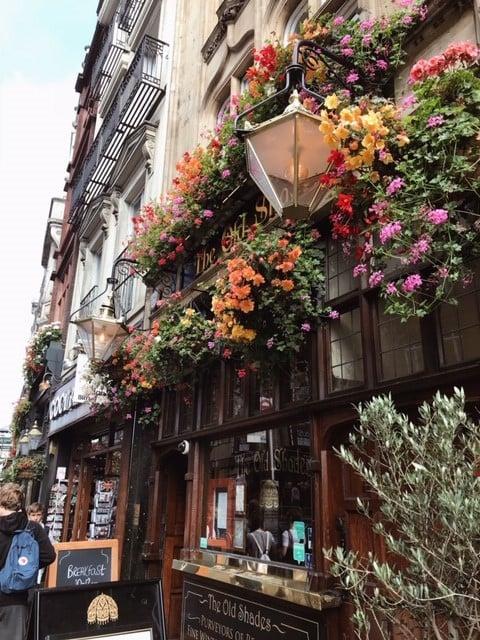Lontoo nähtävää ja koettavaa - Lontoon pubit