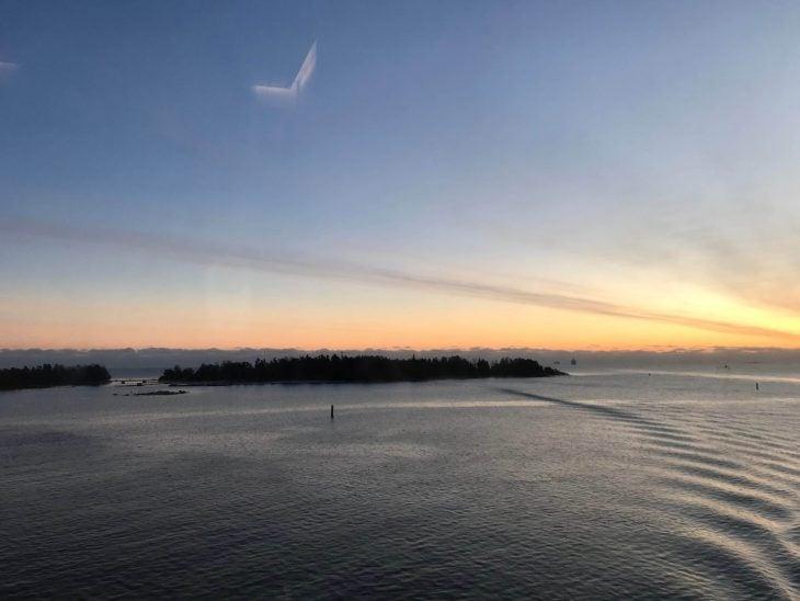 Paluu Tallinnasta Helsinkiin, Tallink shuttle, tekemistä teinien kanssa