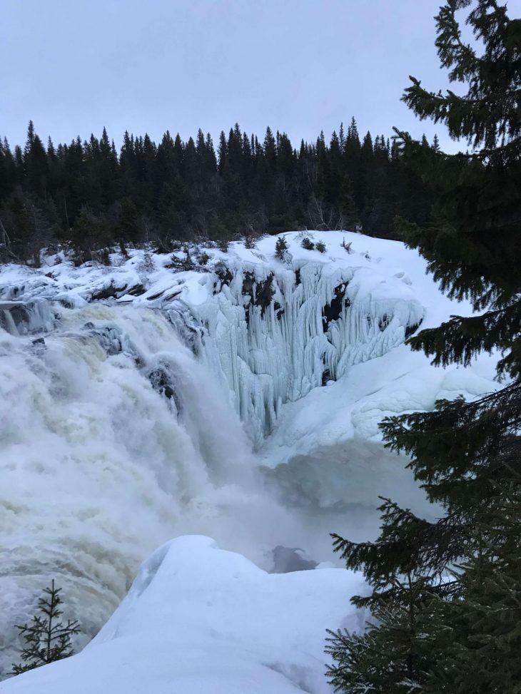 Åren talvisia maisemia Ruotsissa, Tännforsen vesiputoukset, matkailu, matkablogi, korona